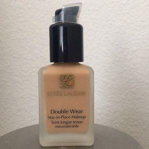 Estée Lauder Double Wear Foundation 3N2